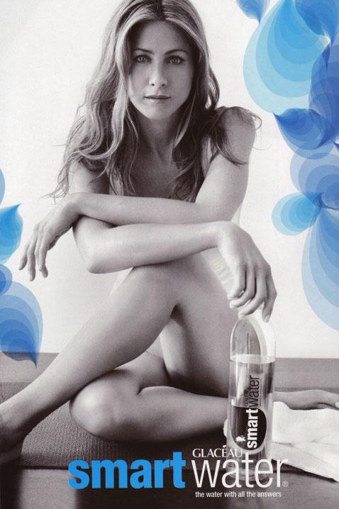 Jennifer Aniston se fait stimuler les seins par Ellen